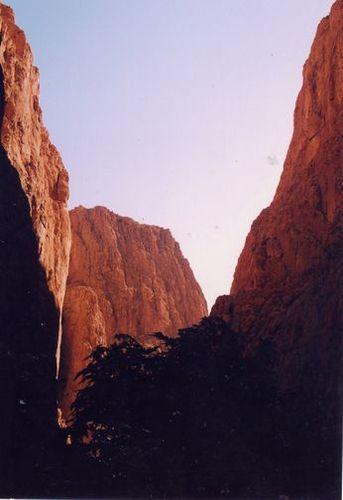 トトラ渓谷
