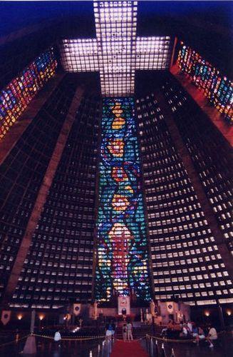 サン・セバスチャン大聖堂のステンドグラス